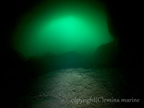 マリンレイク緑の光