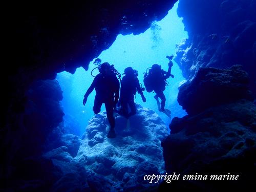洞窟ダイビングへ