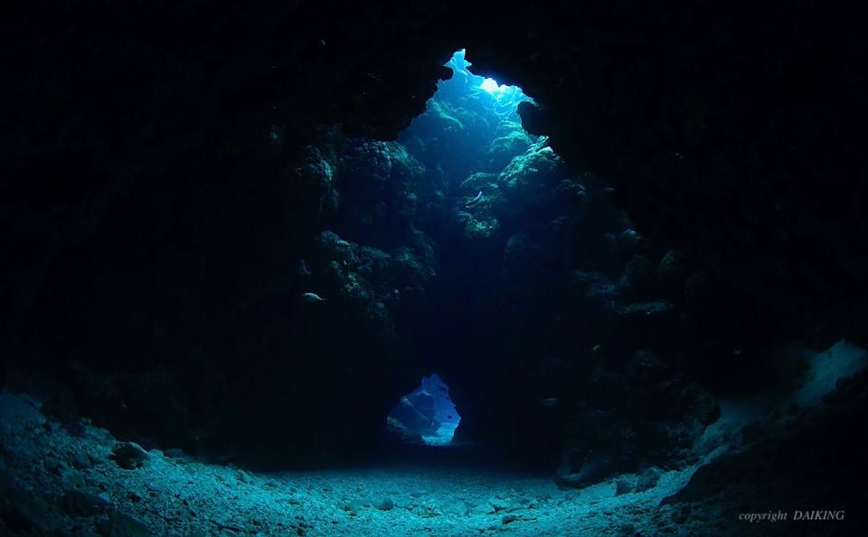 洞窟の中の洞窟みたい!